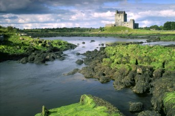 3-dunguaire-castle-galway